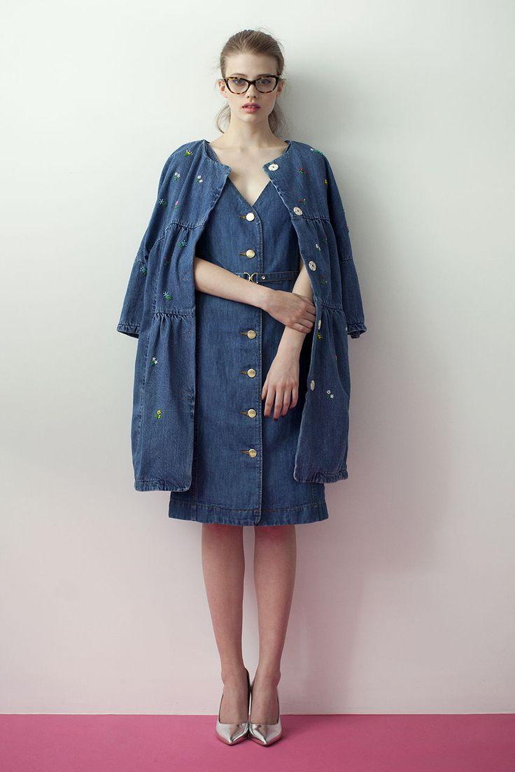 デニムワンピとの合わせ技♡冬のファッションアイテム デニムコート コーデを集めました♪