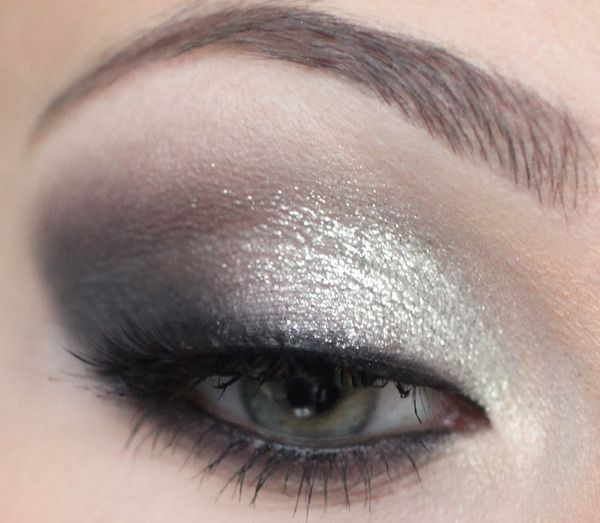 New Years Eve glitter makeup (gold instead of silver)