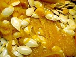 How to Preserve Fresh Pumpkin Seeds to Plant Next Year thumbnail