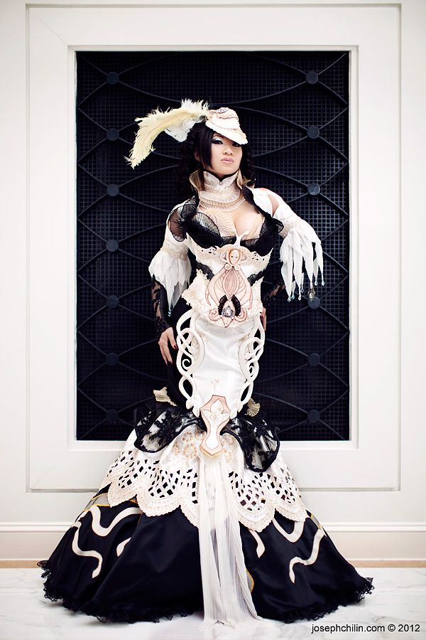 Cosplay by Yaya Han on Deviant Art -- O.M.G. Not Steampunk, but I don't care :-)