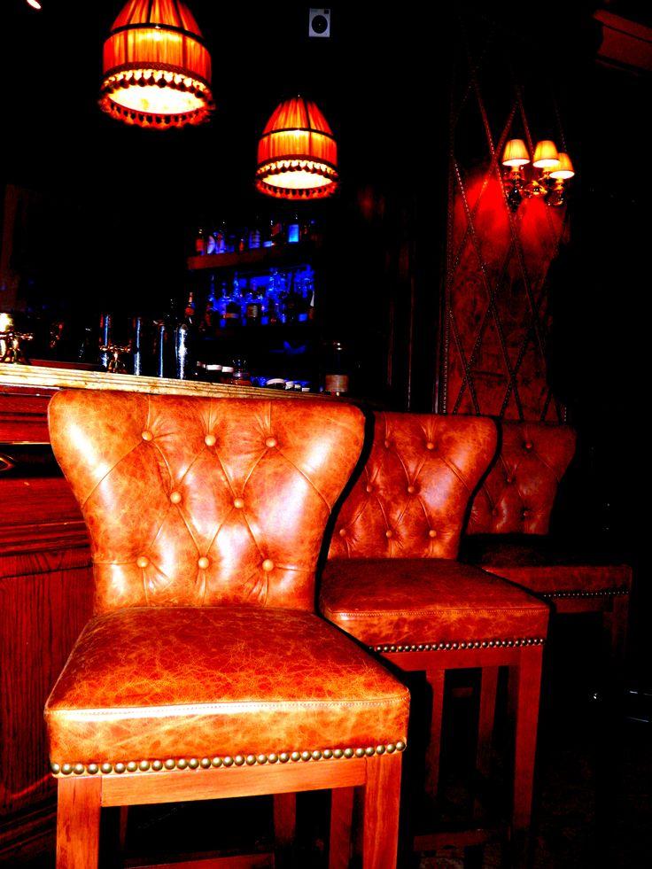Nuevo mobiliario en el Bluesman Bar! New furniture at Bluesman Bar!
