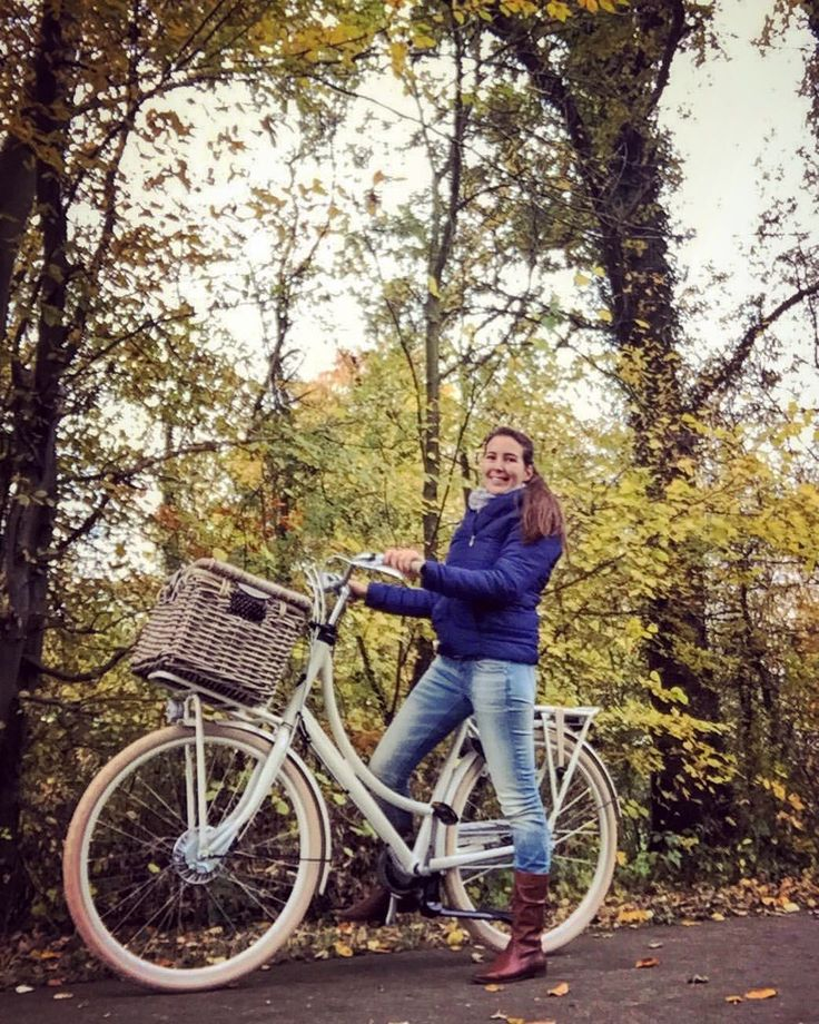 """Gefällt 82 Mal, 3 Kommentare - Ine Brants (@flying_angel737) auf Instagram: """"Autumn ride on my new bycicle! 🚲🍂🍁 gotta love the colours of mother nature! #dayoff #autumn #woods…"""""""