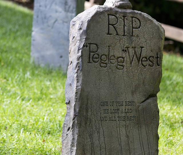 Tombstone Quotes Funny: 116 Best Images About Tombstones On Pinterest