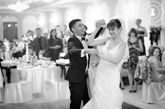 Lavinia & Valentin - Wedding Dance by www.FirstDanceStudio.ro