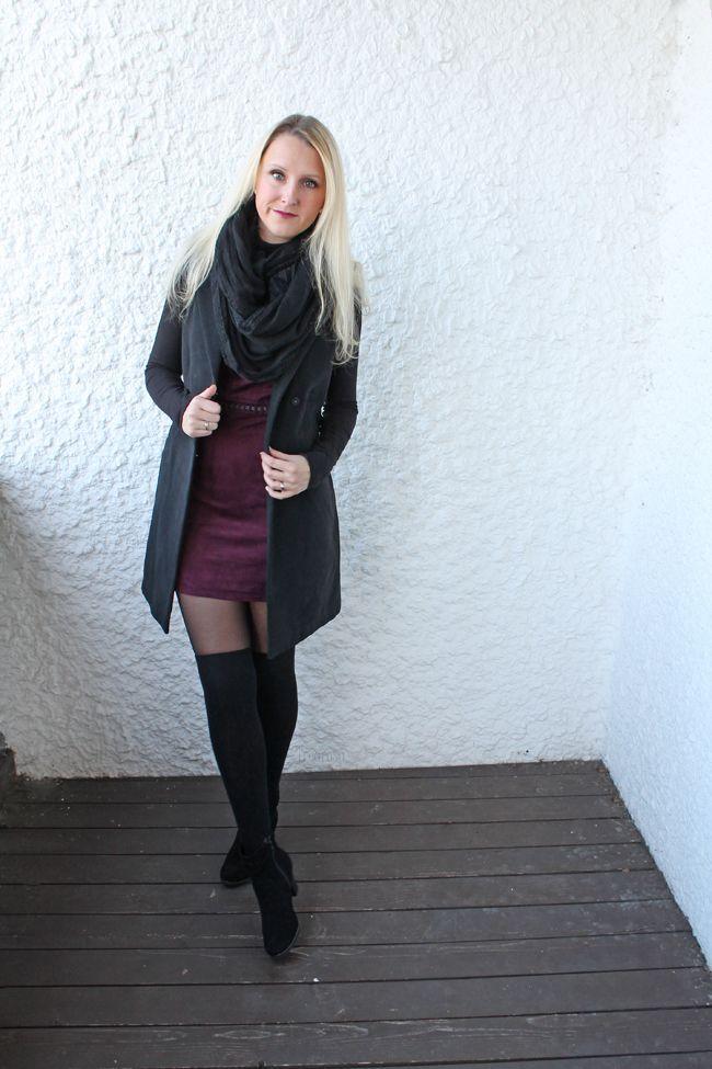 Treurosa: [Outfit] Wie kombiniere ich Overknee Strümpfe? Teil III Fashion I Fashionblog I Fashionblogger I Mode I Modeblog I Modeblogger I Overknees I Overknee Strümpfe I minidress I dress I bordeaux I black I court