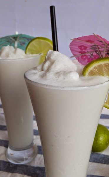 Colombian Coconut limeade smoothies. Limonada de Coco!