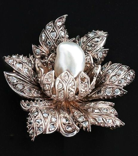 An antique french diamond brooch with pearl France, 19th century.