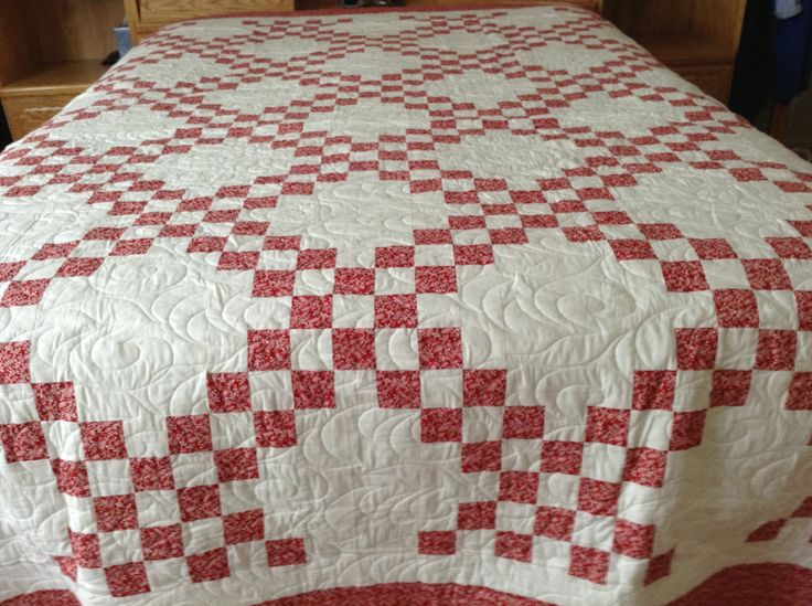 Queen Quilt, Double Irish Chain by mommomsquilts on Etsy