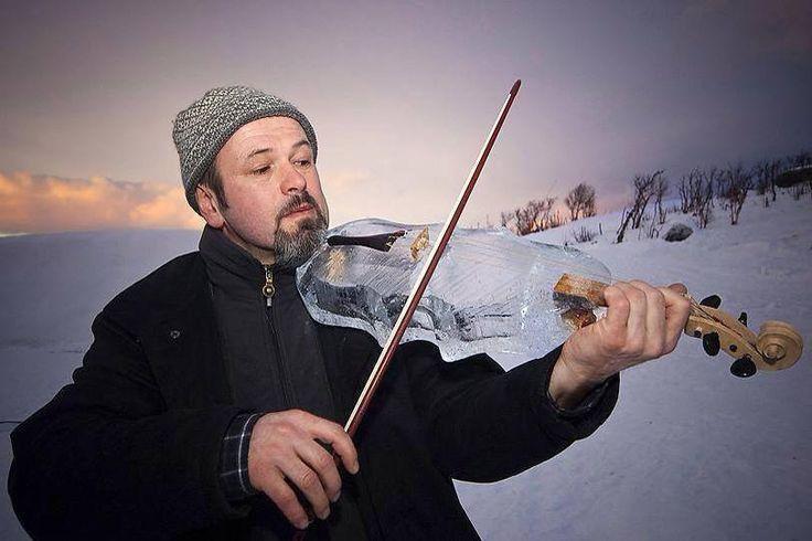 Celebrate the winter with an ICE VIOLIN!!  #PittsburghWeddingMusic #StevenVance www.stevenvance.com