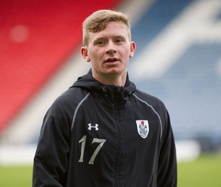 Queen's Park's Dominic Docherty warming up before the Ladbrokes League One game between Queen's Park and East Fife