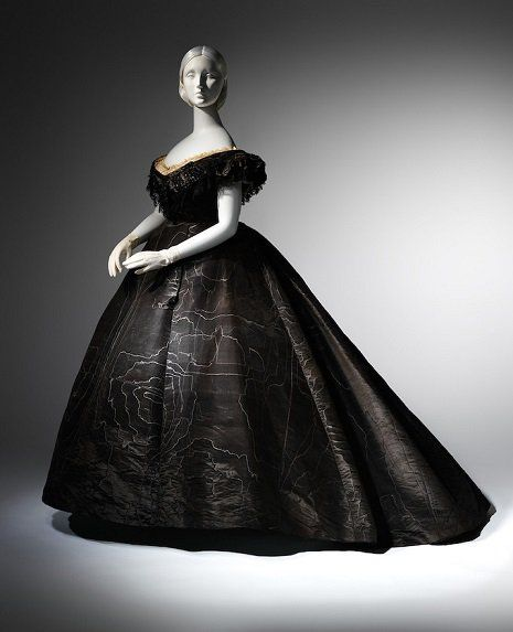 """The Metropolitan Museum of Art recently announced a breathtaking new exhibit, """"Death Becomes Her: A Century of Mourning Attire"""" Evening dress suitable for late mourning, from around 1861 (Posted on Dangerous Minds)"""