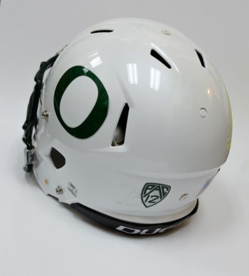 Stormtroopers helmet for sale! The memories: J-Stew rushed for 250 dominant over Washington, later on LMJ dashed by USC collected 250+ of his own on th ground. Epic helmet http://thesportstrap.tumblr.com/post/21731863316/let-the-bidding-war-commence-university-of-oregon #goducks #Oregon #Ducks #style #fashion #design #Nike #football #collegefootball #sports