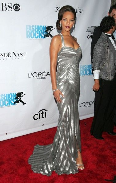 Silver at the 2006 Fashion Rocks Concert - Style Crush: Rihanna on the Red Carpet - Photos