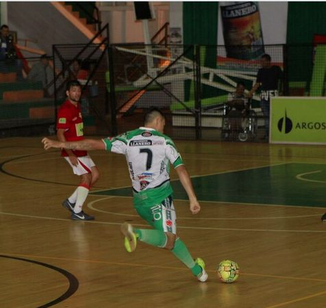 #DeportivoMeta sigue retomando confianza. En un duro encuentro derrotó a 4-3 a #RionegroFutsal. #FútbolRevolucionado