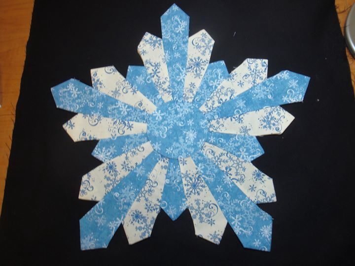 Dresden plate snowflake quilt idea