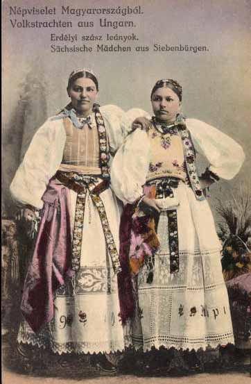 Hungarian traditional women's wear in the Erdely region #Siebenbürgen. Hermannstädter Gegend-Siebenbürgen-Ardeal-Erdely-Rumänien
