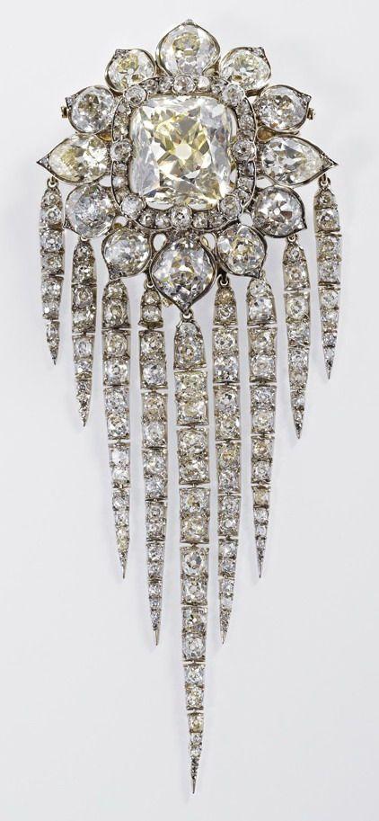 Queen Victoria Fringe Brooch 1856 (Garrad)
