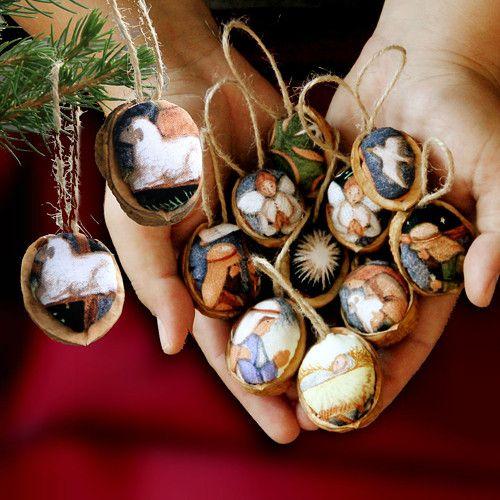 Vánoční ozdoby oříšky 12 ks BETLÉM s ovečkami