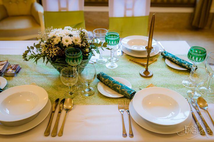 Zöld - fehér asztal dekoráció, #eskuvo, #wedding, #dekor, #design, www.digilab.hu