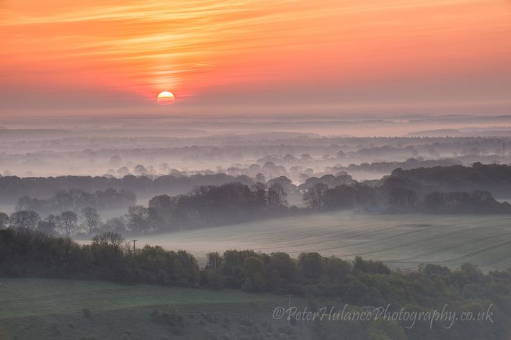 https://flic.kr/p/nFv9wV | The day begins | Another from last Fridays Pewsey Vale early morning trip