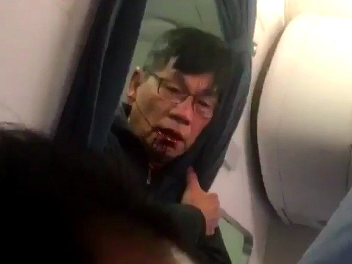 Police story differs from videos of man dragged from United flight   Ars Technica UK