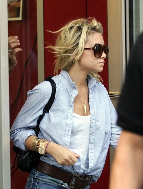 Ashley Olsen...I have that shirt but haven't ever worn it with jeans...hmmm, thanks for the inspiration AO, I'm trying this look out!