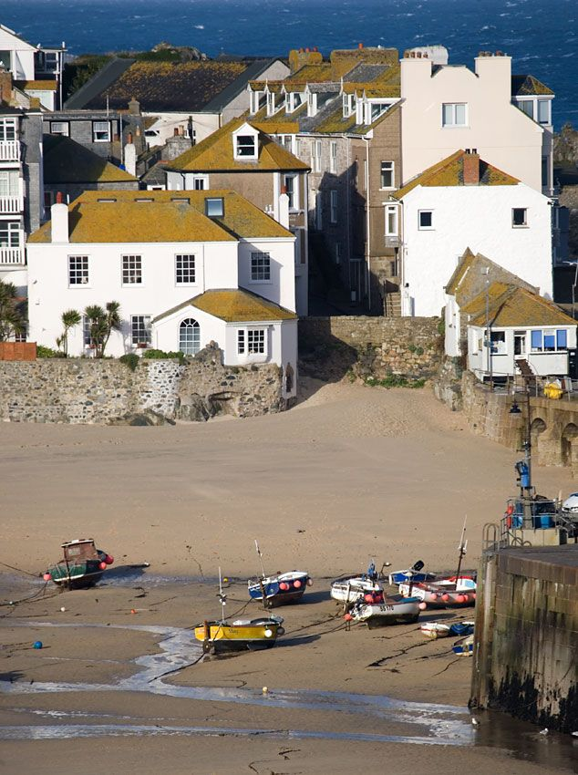 St Ives in Cornwall - Low tide harbour view