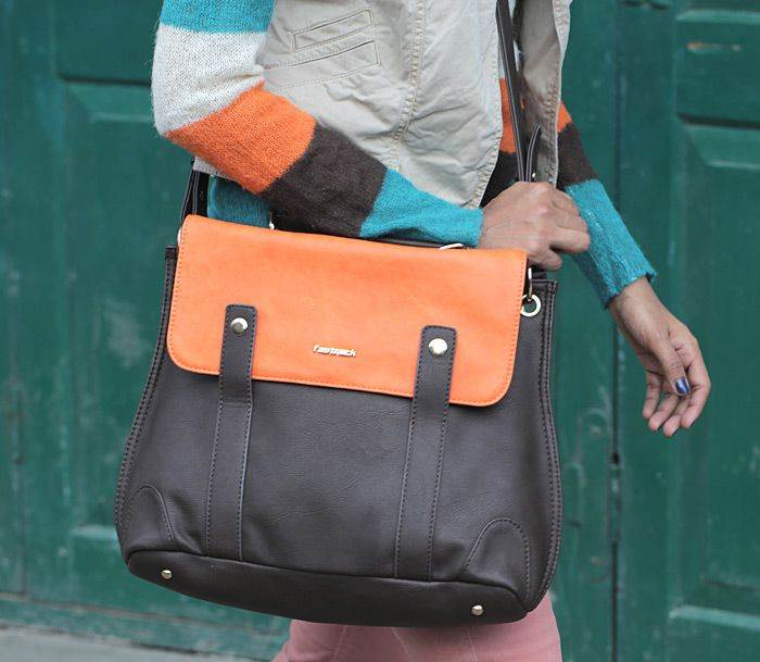 STRIPES AND A SATCHEL = BEING SUPER SNUG AND STYLISH ALL AT THE SAME TIME.  #FastrackBlog #Fashion #Bag