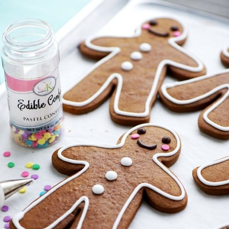Spicy, semi-soft gingerbread cookies with a slightly crispy edge, that keep their shapes perfectly when baked.