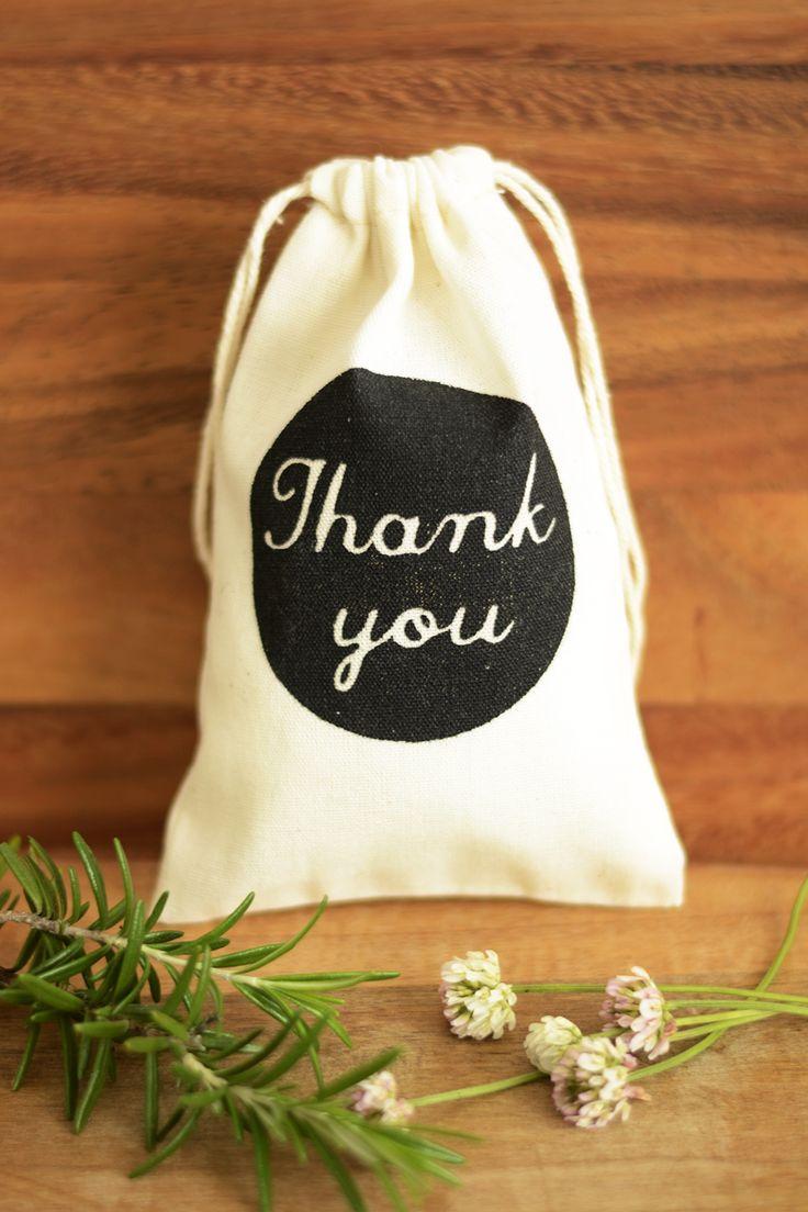 Wedding favour bags, wedding favor bags, muslin favor bags, small muslin bags, thank you bags, wedding gift bags, muslin pouches, wedding favour pouches