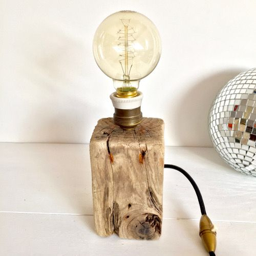 Décoration esprit recup ambiance atelier / Lampe création unique bois flotté ampoule filament douille laiton et porcelaine