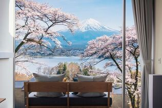Hotel HOSHINOYA Fuji | Japan Cherry Blossom in t…
