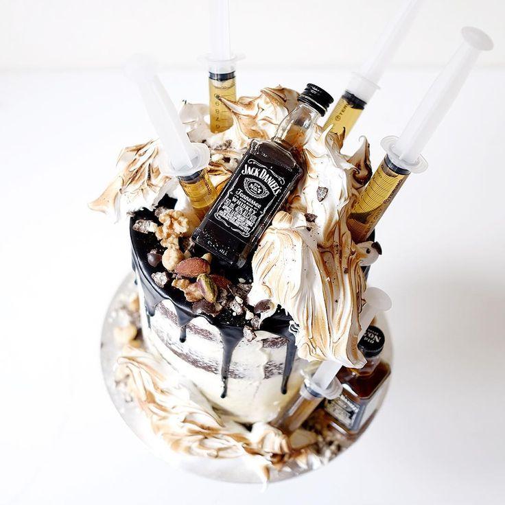 Creative Bakes // ultimate Jack Daniels man cake | cakesbycliff