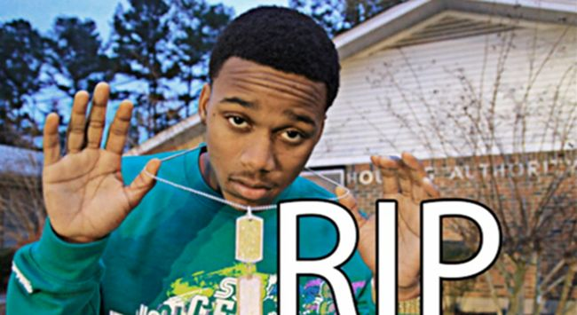 "[VIDEO] LIL SNUPE – IM THAT NIGGA NOW #RIPSnupe- http://getmybuzzup.com/wp-content/uploads/2014/10/lil-snupe.png- http://getmybuzzup.com/lil-snupe-im-that-nigga-now-video/- LIL SNUPE – IM THAT NIGGA NOW By Amber B A new video of the former Dreamchaser artist Lil Snupe has been released for a track titled ""Im That Nigga Now"", this track was on Snupe's ""RNIC"" mixtape. Check out the new visual below! #RIPSnupe  Follow me: Getmybuzzup on Twitter 