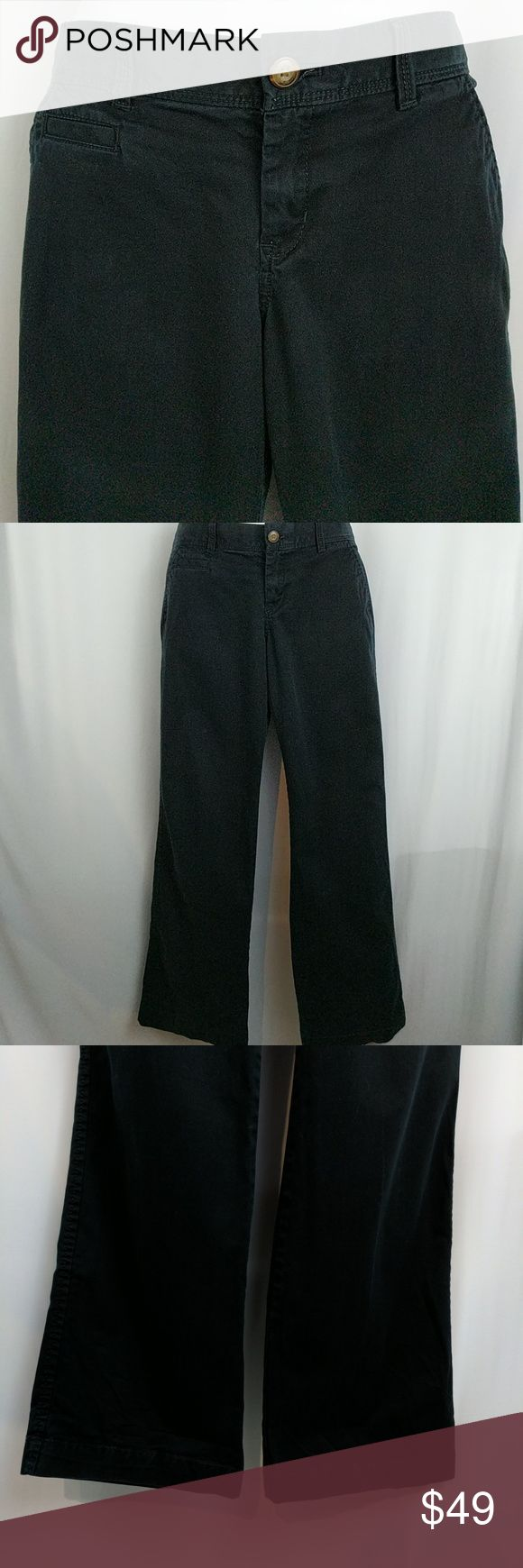"Old Navy Perfect Boot-Cut Black Khakis Sz 6 Short Old Navy Perfect Boot-Cut Black Khakis Sz 6 Short. Excellent condition. Waist measures 32"" around. Hips 36"" around. Rise 8"". Inseam 28"". 97% cotton. 2% spandex. Smoke free. RT1 Old Navy Pants"