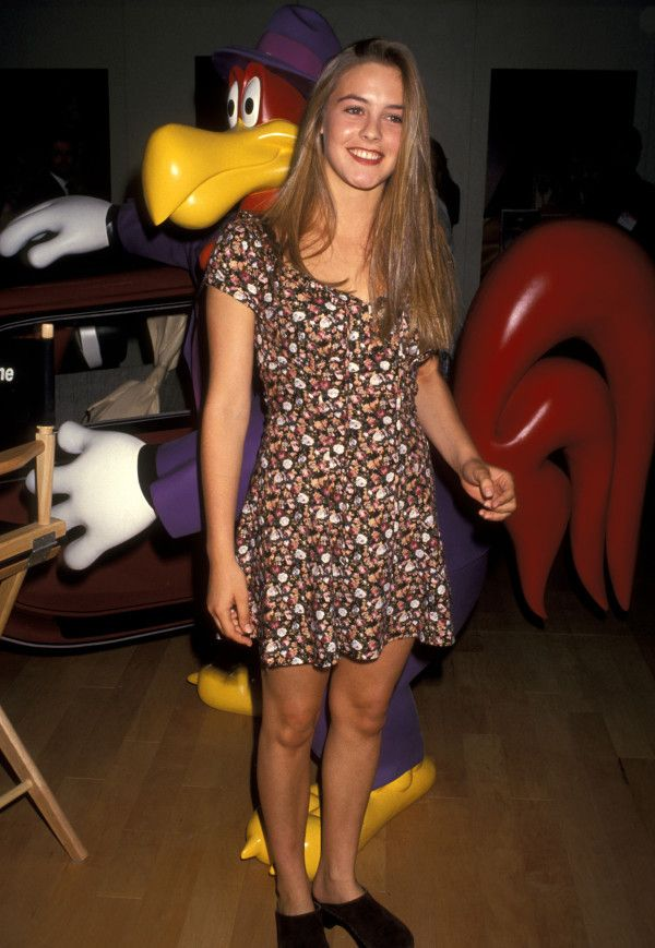 This dress, this hair, these shoes. 90s perfection.