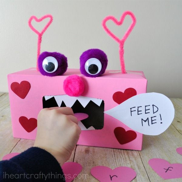 I HEART CRAFTY THINGS: Valentine Monster Alphabet and Sight Word Game