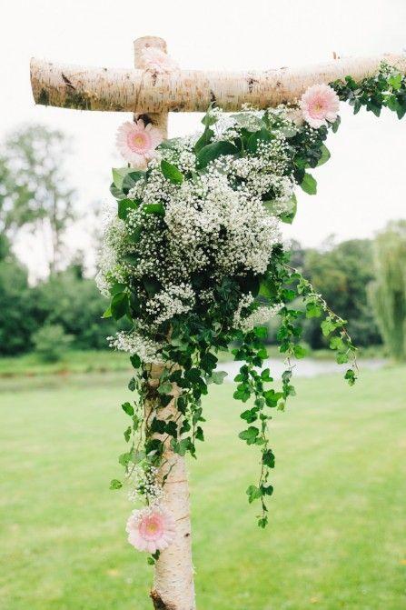 les 67 meilleures images propos de fleurs mariage arche sur pinterest belle d cor de. Black Bedroom Furniture Sets. Home Design Ideas