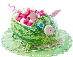 Watermelon Pig!!! mrslotfy  http://media-cache2.pinterest.com/upload/136796907401589281_8Grfr2gk_f.jpg