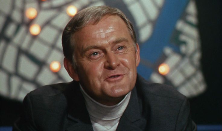 som direktør Schwartz, i  Nyhavns glade gutter - (Onkel Joakims hemmelighed) fra 1967.