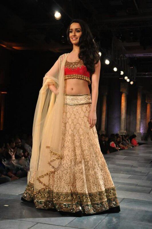 Lehenga choli fashion show 16