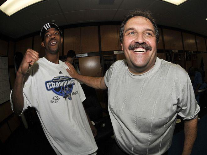 Rafer Alston et Stan Van Gundy, Orlando Magic. Le Magic sacré champion de la Conférence Est 2009.