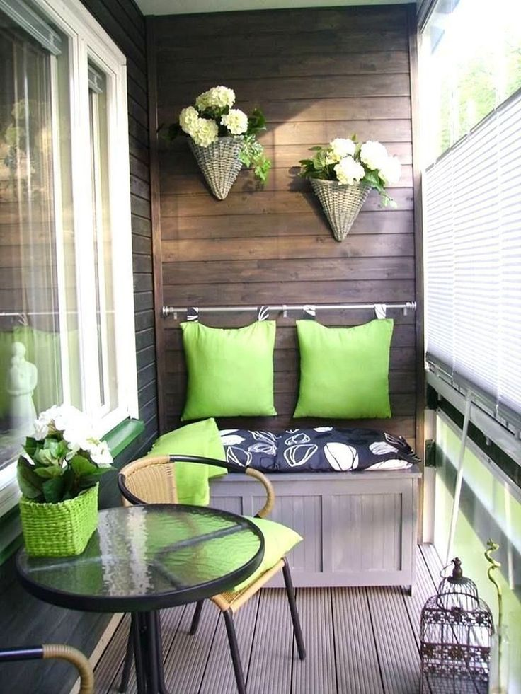Awesome 36 Amazing Balcony Decoration Ideas For Winter. More at https://homedecorizz.com/2018/01/10/36-amazing-balcony-decoration-ideas-winter/