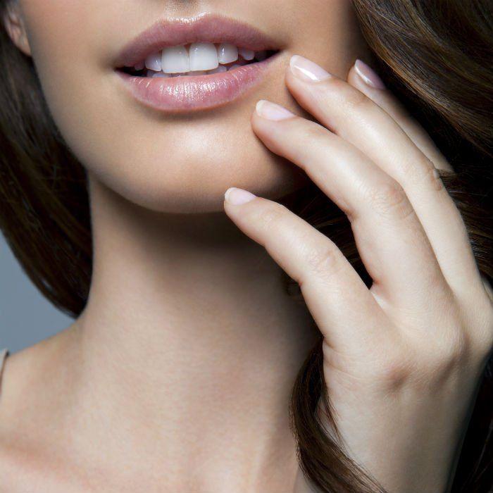 6 RECETTES POUR ÉVITER LES ONGLES CASSANTS Aïe, aïe, les ongles striés ou  qui