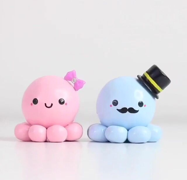 Cute kawaii octopus couple wt bow and hat , mustache and smile.  Shoutout this week goes to @DanielaPupa
