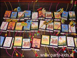 Mini boekjes - Traktatie snoep, Traktaties - En nog veel meer traktaties, spelletjes, uitnodigingen en versieringen voor je verjaardag of kinderfeest op Party-Kids.nl
