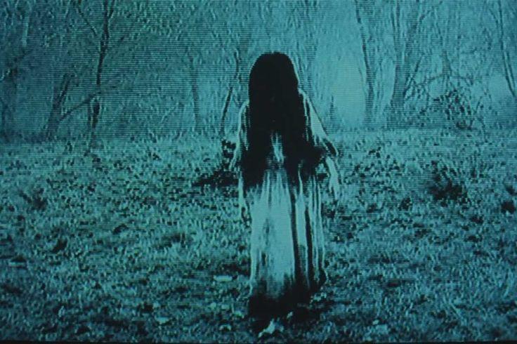 """Kuriose Fahndung: Gesucht wird eine Frau mit langen Haaren und langem Kleid - Sadako?   © Sadako im Film """"Ringu"""" / Toho"""
