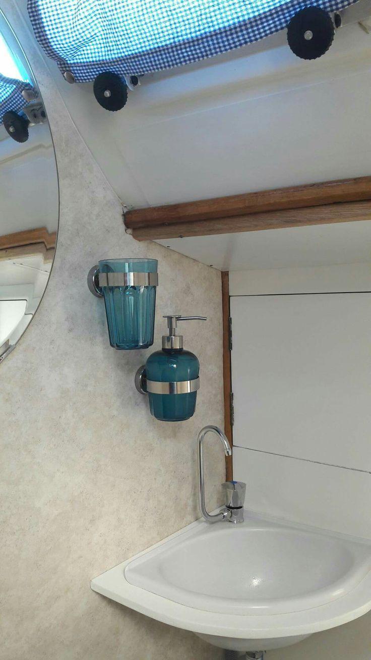 Sailboat bath