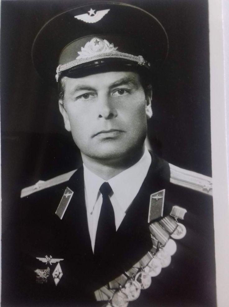 Начальник учебной части 3-го ф-та Дёмин Анатолий Николаевич.