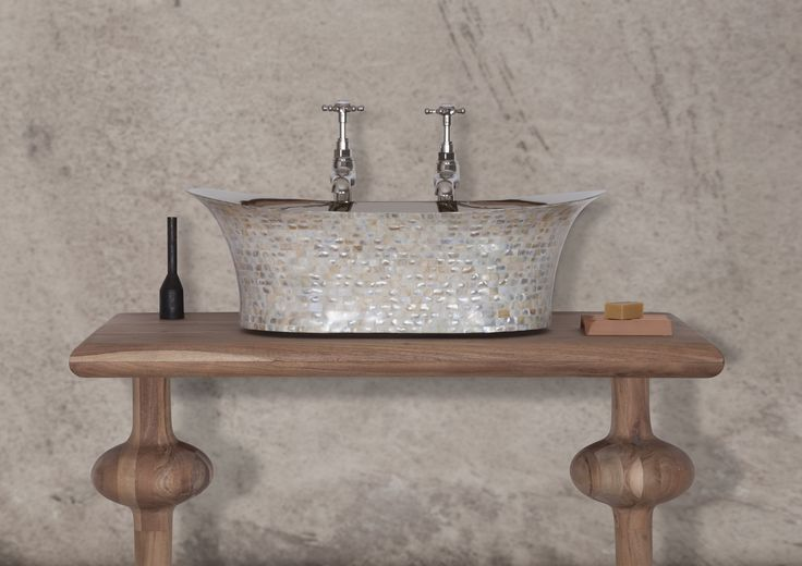 Light Mother of Pearl Oval Basin